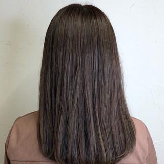 艶髪 アッシュ モテ髪 ナチュラル ヘアスタイルや髪型の写真・画像