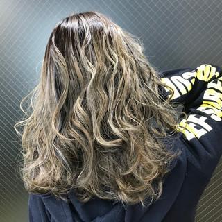 ナチュラル ハイライト ローライト ロング ヘアスタイルや髪型の写真・画像