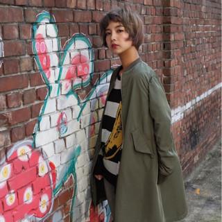 色気 アッシュ ボブ オン眉 ヘアスタイルや髪型の写真・画像
