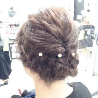コンサバ パーティ ヘアアレンジ 波ウェーブ ヘアスタイルや髪型の写真・画像