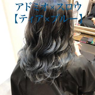 ゆるふわセット ロング ハイトーンカラー エレガント ヘアスタイルや髪型の写真・画像