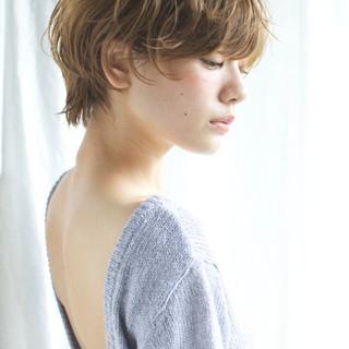 外国人風 ピュア アッシュ ショート ヘアスタイルや髪型の写真・画像