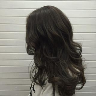 上品 ロング エレガント グレージュ ヘアスタイルや髪型の写真・画像