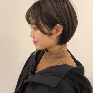透明感カラー 簡単スタイリング アンニュイほつれヘア ヘアアレンジ ヘアスタイルや髪型の写真・画像