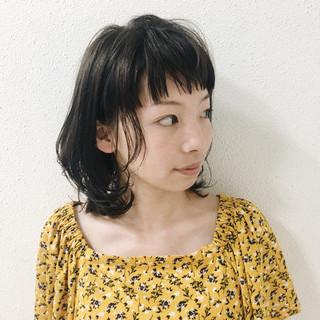 アッシュグレージュ ミディアム リラックス グレージュ ヘアスタイルや髪型の写真・画像