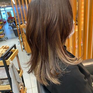 ハイライト ミディアム ウルフカット インナーカラー ヘアスタイルや髪型の写真・画像