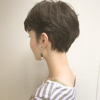 ベリーショート 大人女子 かっこいい ナチュラル ヘアスタイルや髪型の写真・画像