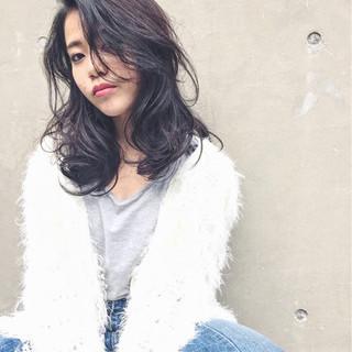 大人女子 外国人風 パーマ ストリート ヘアスタイルや髪型の写真・画像 ヘアスタイルや髪型の写真・画像