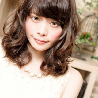ミディアム パーマ 前髪あり 大人かわいい ヘアスタイルや髪型の写真・画像 ヘアスタイルや髪型の写真・画像