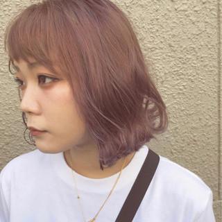 ウェットヘア ピンク ロブ ガーリー ヘアスタイルや髪型の写真・画像