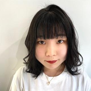 黒髪 アッシュブラック ウルフカット 韓国ヘア ヘアスタイルや髪型の写真・画像