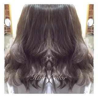 暗髪 グレージュ ロング アッシュグレージュ ヘアスタイルや髪型の写真・画像
