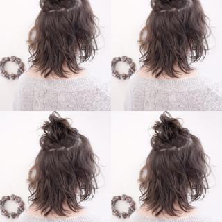 ハーフアップ ショート 暗髪 簡単ヘアアレンジ ヘアスタイルや髪型の写真・画像