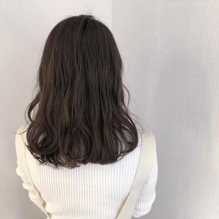 簡単ヘアアレンジ ナチュラル アンニュイほつれヘア スモーキーカラー ヘアスタイルや髪型の写真・画像