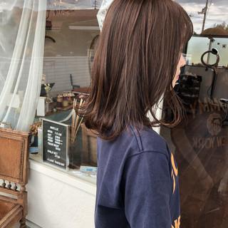 アッシュ ミディアム ラベンダーアッシュ ナチュラル ヘアスタイルや髪型の写真・画像