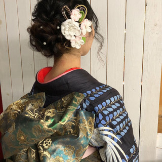 ヘアアレンジ セミロング ヘアセット フェミニン ヘアスタイルや髪型の写真・画像