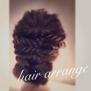 フィッシュボーン ヘアアレンジ セミロング 編み込み ヘアスタイルや髪型の写真・画像 ヘアスタイルや髪型の写真・画像