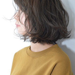 外ハネ 透明感 ショート デート ヘアスタイルや髪型の写真・画像 ヘアスタイルや髪型の写真・画像