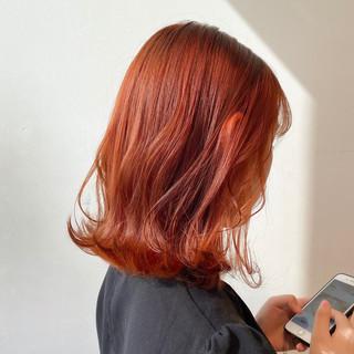 ブリーチなし オレンジカラー ナチュラル 透明感カラー ヘアスタイルや髪型の写真・画像