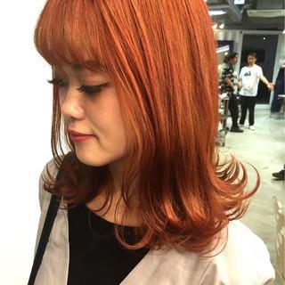 ストリート 外ハネ オレンジ セミロング ヘアスタイルや髪型の写真・画像