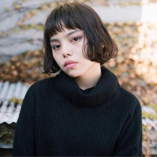 小顔 フェミニン ニュアンス 大人女子 ヘアスタイルや髪型の写真・画像