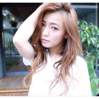 ロング 外国人風 ヘアアレンジ かき上げ前髪 ヘアスタイルや髪型の写真・画像 ヘアスタイルや髪型の写真・画像