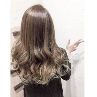 渋谷系 セミロング 外国人風 グラデーションカラー ヘアスタイルや髪型の写真・画像
