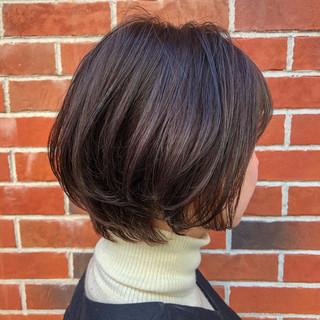 インナーカラー ショートヘア イルミナカラー ボブ ヘアスタイルや髪型の写真・画像