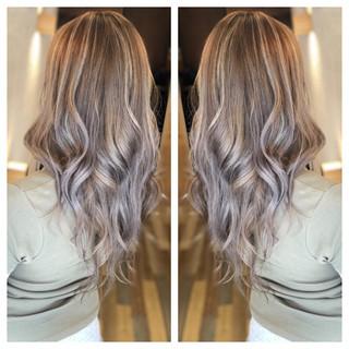 ロング 外国人風カラー 透明感 ホワイトハイライト ヘアスタイルや髪型の写真・画像