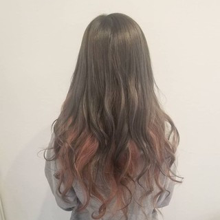 グレージュ 女子力 インナーカラー 秋 ヘアスタイルや髪型の写真・画像