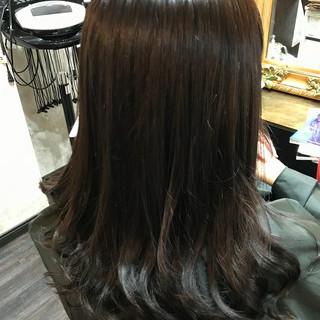 グレー かわいい セミロング ナチュラル ヘアスタイルや髪型の写真・画像