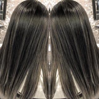 セミロング 成人式 モード 外国人風 ヘアスタイルや髪型の写真・画像