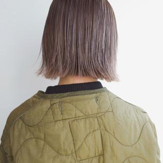 グレージュ 透明感 ミルクティーベージュ ナチュラル ヘアスタイルや髪型の写真・画像