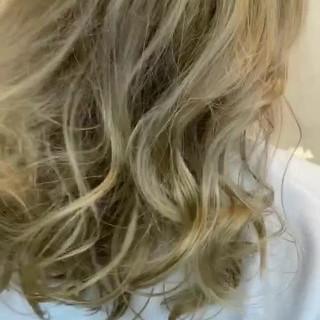 ダブルカラー ハイトーン ハイトーンカラー ガーリー ヘアスタイルや髪型の写真・画像