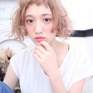 外国人風 ピュア ブリーチ フェミニン ヘアスタイルや髪型の写真・画像