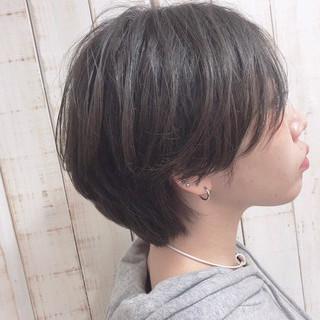 グレー ハンサムショート シルバー グレージュ ヘアスタイルや髪型の写真・画像 ヘアスタイルや髪型の写真・画像