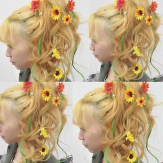 ミディアム 簡単ヘアアレンジ 外国人風 ワイドバング ヘアスタイルや髪型の写真・画像