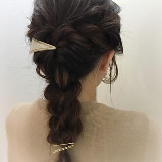ヘアアレンジ ロープ編み ヘアピン バレッタ ヘアスタイルや髪型の写真・画像
