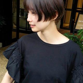 ショート ナチュラル 黒髪 オフィス ヘアスタイルや髪型の写真・画像