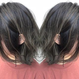バレイヤージュ ミディアム ナチュラル ハイライト ヘアスタイルや髪型の写真・画像