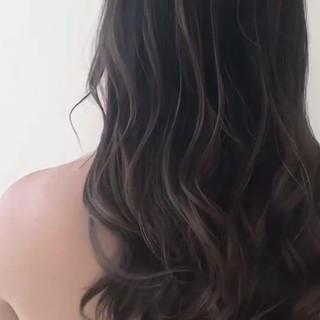 グレージュ ミルクティーベージュ バレイヤージュ 外国人風カラー ヘアスタイルや髪型の写真・画像