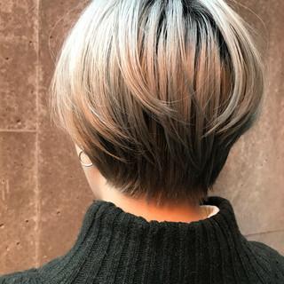 ショート ショートボブ ストリート ブリーチ ヘアスタイルや髪型の写真・画像
