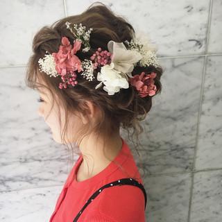ヘアアレンジ ミディアム フェミニン 謝恩会 ヘアスタイルや髪型の写真・画像 ヘアスタイルや髪型の写真・画像