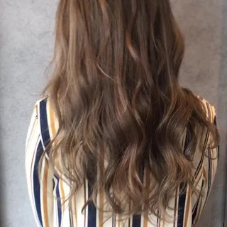 ロング フェミニン バレイヤージュ 外国人風カラー ヘアスタイルや髪型の写真・画像