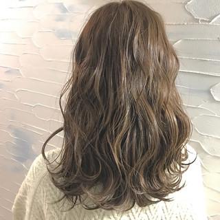 アンニュイ 外国人風 ハイトーン ミディアム ヘアスタイルや髪型の写真・画像