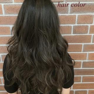 グラデーションカラー ロング ゆるふわ アッシュ ヘアスタイルや髪型の写真・画像