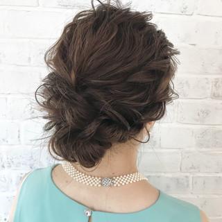 ナチュラル 結婚式 フェミニン ヘアアレンジ ヘアスタイルや髪型の写真・画像