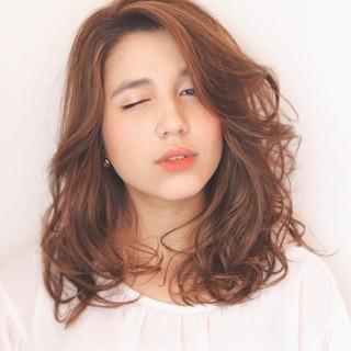 大人女子 大人かわいい パーマ 外国人風 ヘアスタイルや髪型の写真・画像