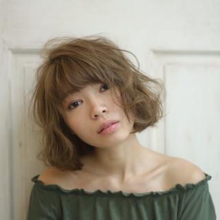 外国人風 パーマ ゆるふわ アッシュ ヘアスタイルや髪型の写真・画像