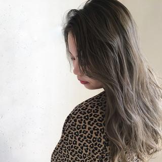 外国人風カラー ナチュラル バレイヤージュ ニュアンス ヘアスタイルや髪型の写真・画像